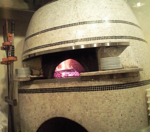 イゾリーナの本格的な石窯