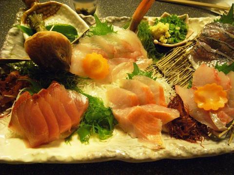 太田水産の刺身の盛り合わせ