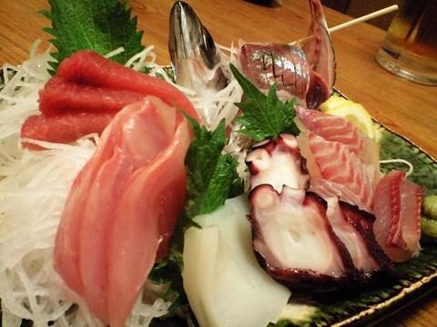 三島「大しま」地魚の刺身盛り合わせ