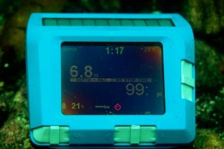 UEMIS SDA ダイビングコンピュータ スライダースイッチ